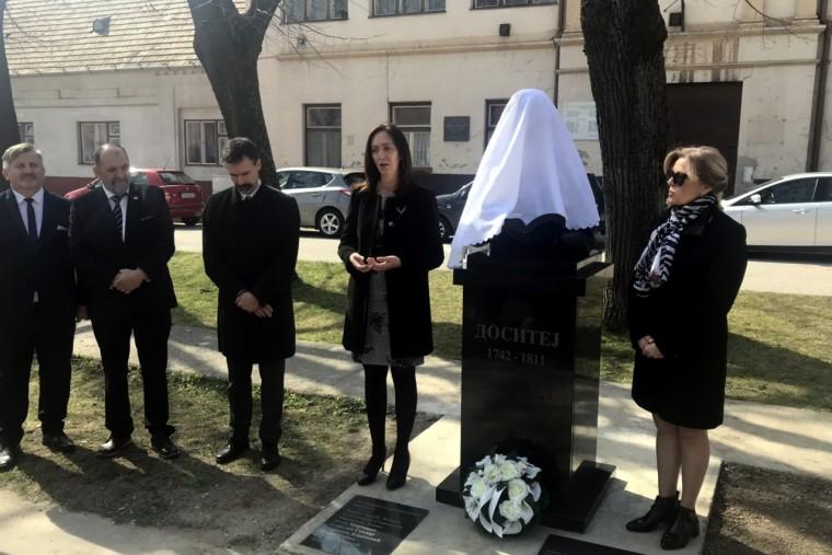 У словачком граду Модра откривен споменик великом српском просветитељу Доситеју Обрадовићу