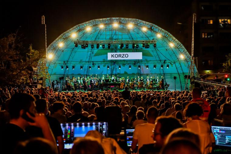 """На Булевару Михајла Пупина  одржан концерт класичне музике """"Корзо"""""""